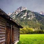 Karwendelgebirge mit Hütte, Bayern